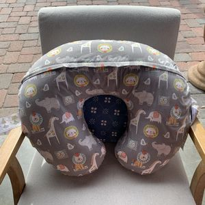 Boppy Nursing Pillow good condition for Sale in South Gate, CA