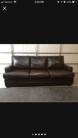 Brown Leather Couch for Sale in Eagleville,  TN