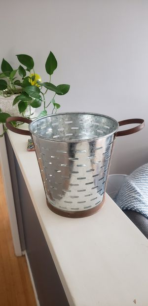 Home Goods Deco Plant Pot for Sale in Glendora, CA