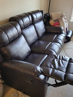 Recliner Sofa (Only Used 6 Months) for Sale in Mukilteo,  WA
