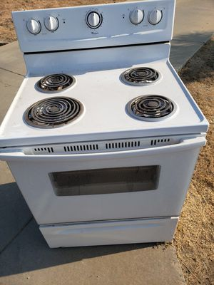 Whirlpool stove for Sale in Madera, CA