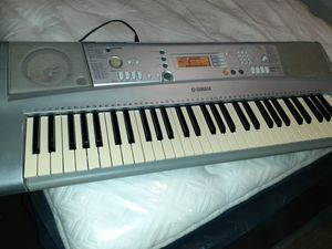 Yamaha Keyboard (ypt-300) for Sale in Orlando, FL