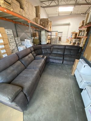 Large grey sectional recliner w/USB plug for Sale in Las Vegas, NV