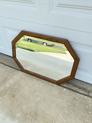 """SMALL VINTAGE WOODEN BEVELED MIRROR 29.5"""" x 20"""" for Sale in Corona, CA"""