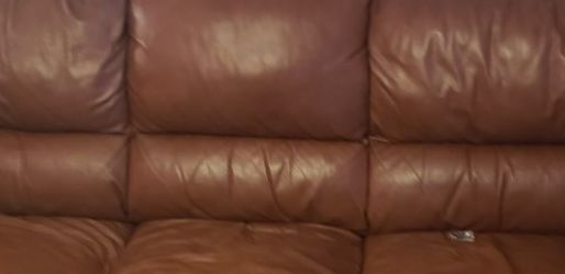 LIKE NEW Leather Couch for Sale in Murfreesboro,  TN