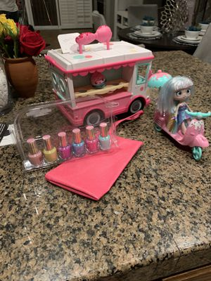 Girl toys( num num truck shopkin doll with scooter ex ) for Sale in Stockton, CA