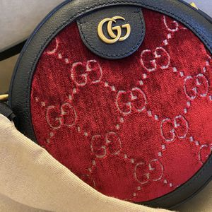 100% Authentic | Gucci GG round with Red velvet & Calfskin Leather for Sale in Atlanta, GA