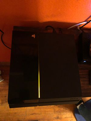 Ps4 w games and remote works great for Sale in Dallas, TX
