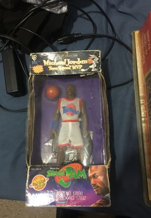 Collectible Michael Jordan figuring for Sale in Auburndale, FL