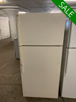 💥💥💥GE With Icemaker Refrigerator Fridge Top Freezer #1370💥💥💥 for Sale in Towson, MD
