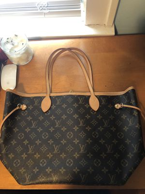 Neverfull authentic Louis Vuitton bag almost brand new for Sale in Pittsburgh, PA