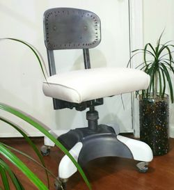 Retro , Vintage Reconditioned Steno Chair Adjustable 50's for Sale in Long Beach,  CA