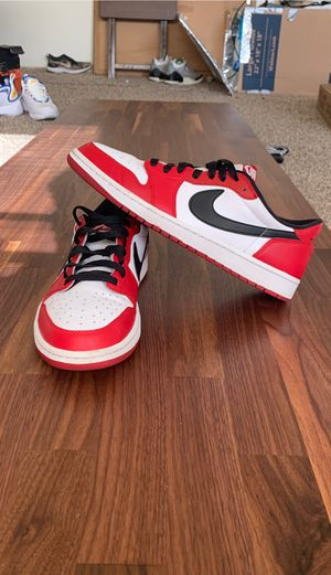 """NIKE AIR JORDAN 1 """"CHICAGO"""" Lows Size 11 for Sale in Wauwatosa, WI"""