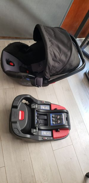 Britax Be Safe 35 Car Seat & Base for Sale in West Los Angeles, CA