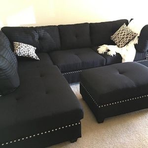 "Black linen sofa sectional with ottoman reversible 104""x75 for Sale in North Miami Beach, FL"