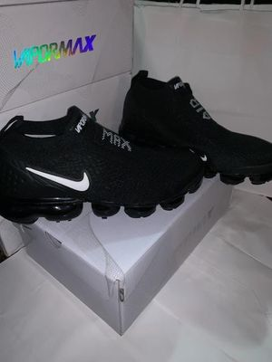 Nike vapormax laceless for Sale in Los Angeles, CA