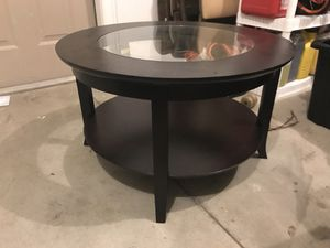 Coffee table for Sale in Cleveland, OH