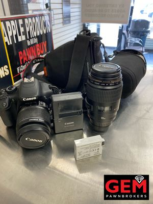 CANON REBEL T2I KIT WITH FLASH for Sale in Brooklyn, NY