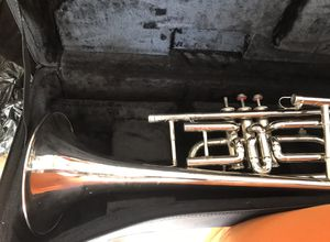 Trumpet with soft case for Sale in Orlando, FL