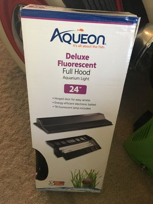 Aqueon hinged fish tank hood light includes T8 fluorescent bulb. Brand new in box never used. 24 inches long. for Sale in Clarksburg, MD