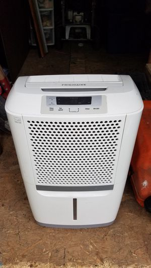 Frigidaire 70 pints Dehumidifier for Sale in Oxon Hill, MD