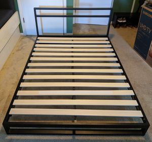 Zinus Platform Bed Frame - Full Size for Sale in Syracuse, IN