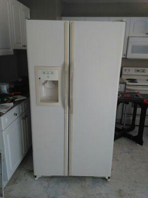 GE fridge, dishwasher - Kenmore stove for Sale in Venice, FL