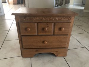 Night Stand for Sale in Tampa, FL