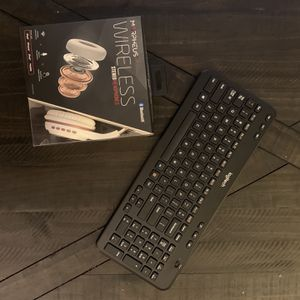Free Headphones And Keyboard for Sale in Chino, CA