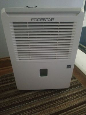Edgestar dehumidifier DEP301EW for Sale in Katy, TX