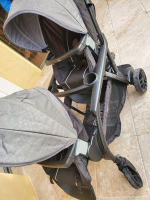 Graco double stroller like new for Sale in Riviera Beach, FL
