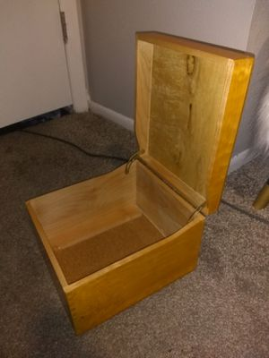 Nice Big Wooden Storage Box for Sale in Bountiful, UT