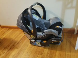 Car seat two pieses for Sale in Ridgefield, NJ