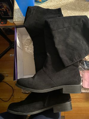 Payless wide calf knee high boots for Sale in The Bronx, NY