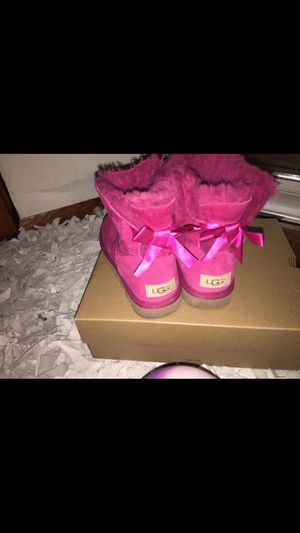 Women's UGGS size 6 for Sale in Columbus, OH