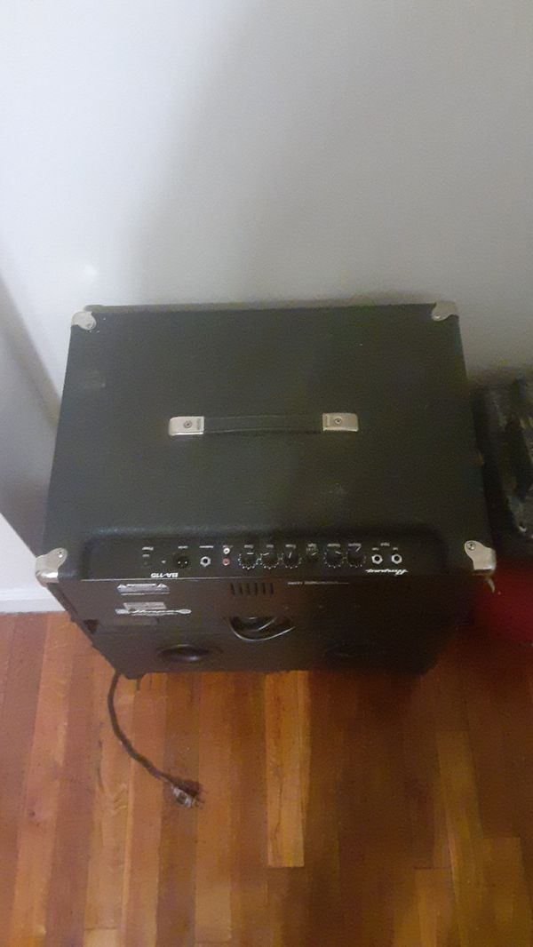 Amp speaker good condition great for djs or block partys