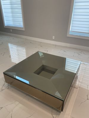 High end haute furniture coffee table! for Sale in Miami, FL