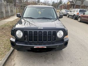 Hello I have a 2010 Jeep Patriot DRIVE GREAT come test drive for Sale in Columbus, OH