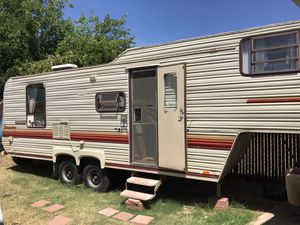 Fifth Wheel COLD A/C Trade4 newer motor home rv cab over camper for Sale in Oakland, CA