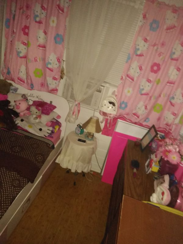 Twin bed Hello Kitty with 3 side storage areas