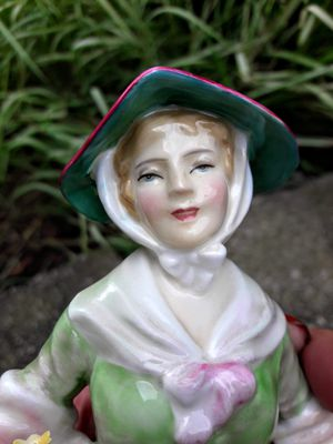 """Royal Doulton""""Daffy down Dilly"""" bone china figurine for Sale in Lockport, IL"""
