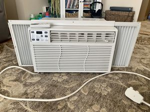 Window AC units- set of 2- with remote!! for Sale in Chicago, IL