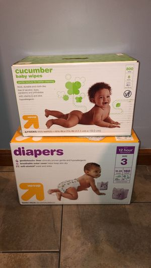 Box of Diapers size 3 and Wipes for Sale in Riverside, IL