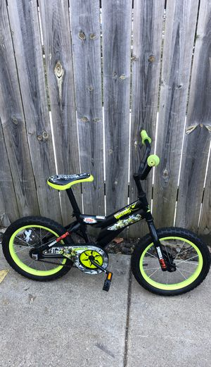 Boys bike for Sale in Chicago, IL