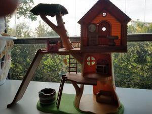 Woodzeez Tree house great size for lol dolls for Sale in Pompano Beach, FL