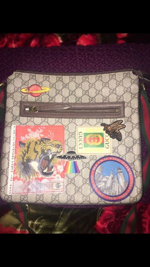 Gucci Courier Messenger Bag for Sale in Sacramento, CA
