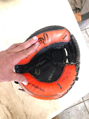 Rawlings youth baseball catchers mitt glove for Sale in Scottsdale, AZ