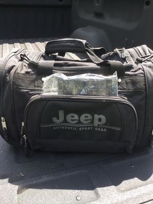 New Jeep duffle bag for Sale in Deweyville, TX