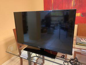 Samsung 40 inch tv for Sale in Pompano Beach, FL