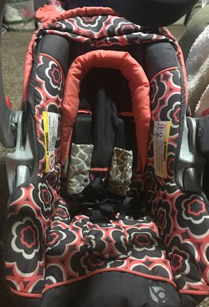 Infant car seat base and stroller combo for Sale in Tupelo, OK